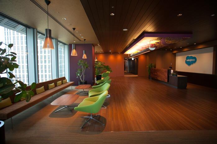「The ARRIVAL」と呼ばれる12階フロアに設置された受付