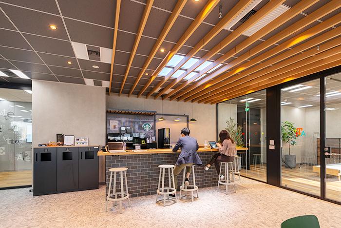 8階リラクゼーションカフェ