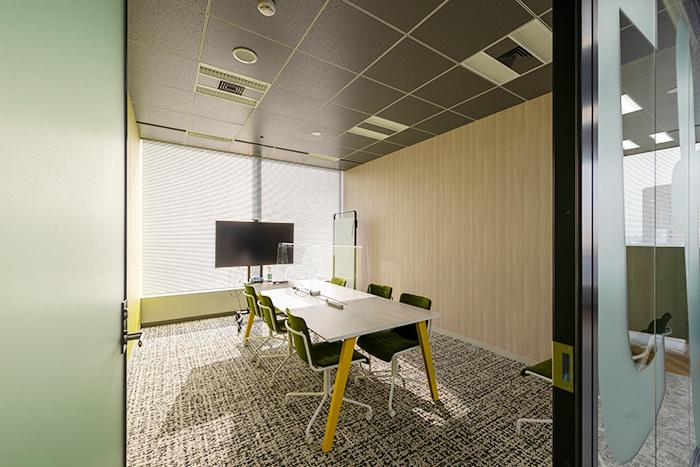 8階会議室